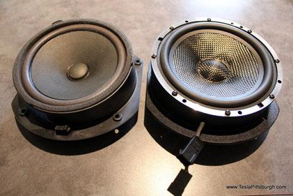 Links der original Lautsprecher und rechts der neue von Light Harmonic