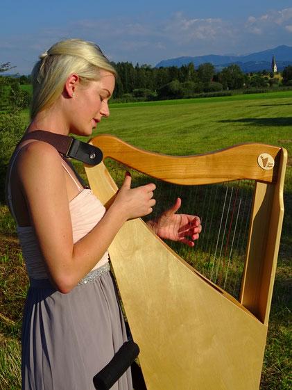 Reiseharfe Luna 32 Saiten, kleine Harfe zum Umhängen