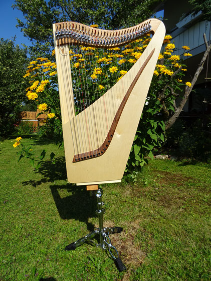 Harp stand for small travel harp Luna with 32 strings