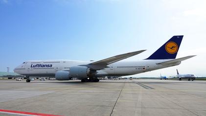 Lufthansa's massive Boeing 747-8