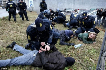 Anholdelse af klima aktivister i København, d 16. december 2009