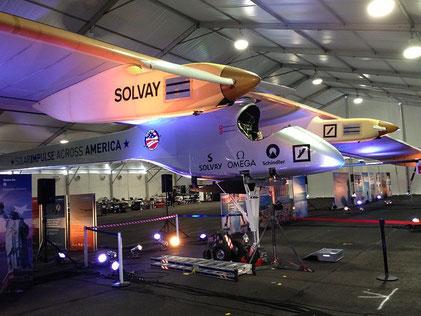 Solar Impulse I durante su travesía por América. Imagen: Cygnusloop99