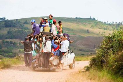 Das Buschtaxi ist die am häufigsten verwendeten Beförderungsmittel