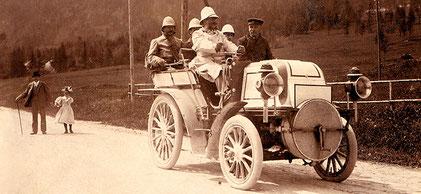 Daimler Phönix von 1897 am Steuer Emil Jellinek Quelle: Wikipedia