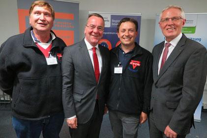 Reinhard Rawe (von rechts), Artur Stark, Boris Pistorius und Manfred Wille