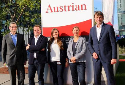 (v.l.n.r.): Lennart Schäfer, Maximilian Szesny, Hendrikje Jungandreas, Corinna Conrads, Prof. Dr. Richard Klophaus. Foto: Austrian Airlines AG