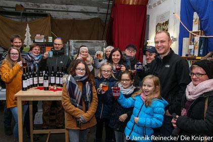 """Festliche Weinprobe im Weingut """"Bert Wechlser Erben""""."""