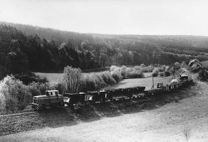 "Foto: Bellingroth  Lok 19 ""Kerkerbachtal"" kurz hinter Eschenau"