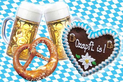 Bier, Brezel  und ein Schoko Herz. Typisch Oktoberfest.