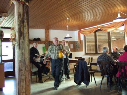 Ausklang bei Frühstück und Musik im Reiterhof Auerbach (Foto: R. Langetepe)