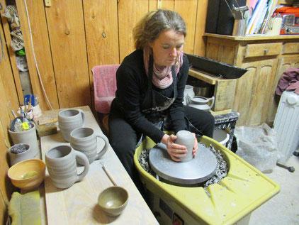 A Stenay, Laurence, dite Lalo de Lalo Céram vous invite chaque mercredi à visiter son atelier de céramiques