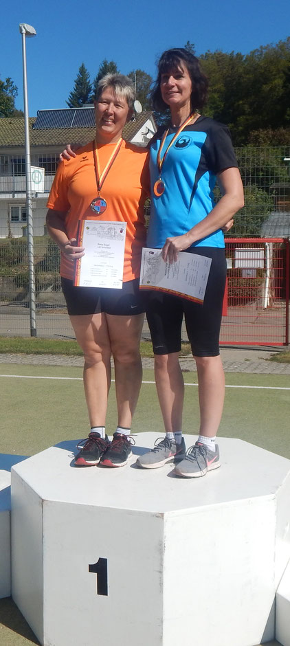 Kristina Telge (rechts) mit klarem Sieg!