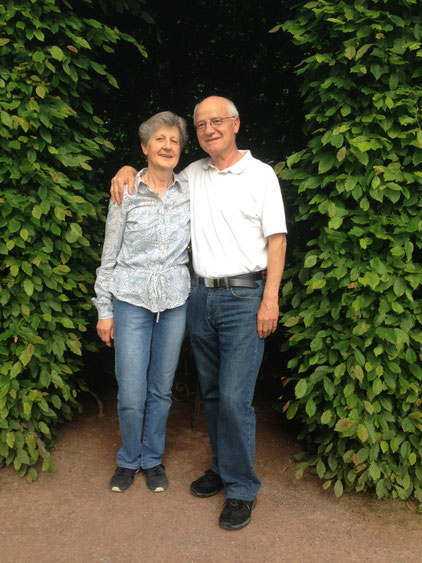 Magda e Roberto Longo nel giardino del Sababurg 2013-06-16
