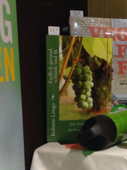 "anche ""Endlich gesund, schlank und fit"" esposto in vetrina presso la libreria Büchereck in Vellmar"