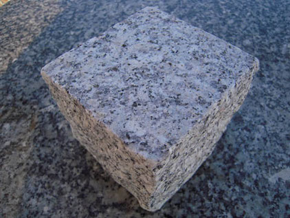 Granit schlesisch grau mittelkorn