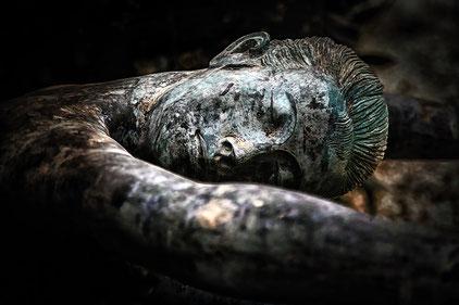 Mateo Brigande, La galerie de Mateo, bronze, buste, cariatide, marbre, statuette, boiserie, moulure, ornement, figurine,