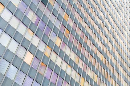 Postbank-Hochhaus, Berlin, Fassade, photography, Minimalismus, Fotografie, minimalism, minimalist, minimalistisch, Holger Nimtz, Wandbild, Kunst, Fotokunst, Linien, pattern, Architektur, architecture,