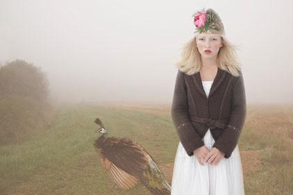 "Jad, Oxana, ""Dream with Peacock"", Lambda Print, Limited Edition, Auflage: 5 + 2*, 2011, 70 x 104 cm"