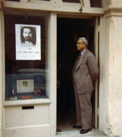 Meherjee at the Santa Barbara Centre, California - 1970