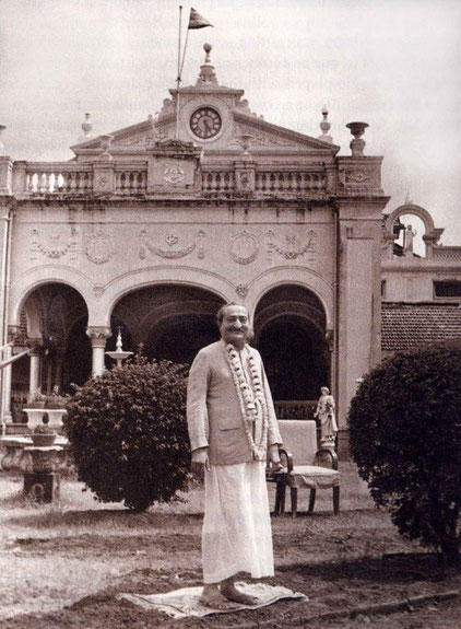 Meher Baba at Guruprasad, Poona, India
