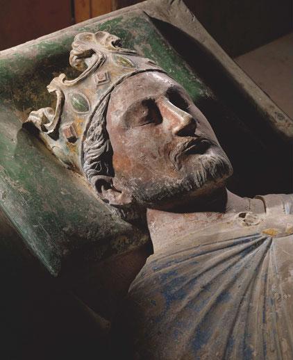 Überlebensgroße Grabfigur Richards I. Löwenherz