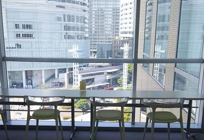 横浜事務所 アントレサロンルーム