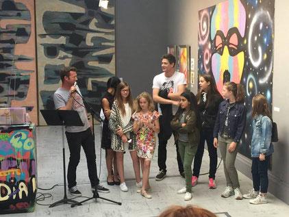 Présentation des jeunes artistes lors du vernissage / Fb Musée Boucher-de-Perthes