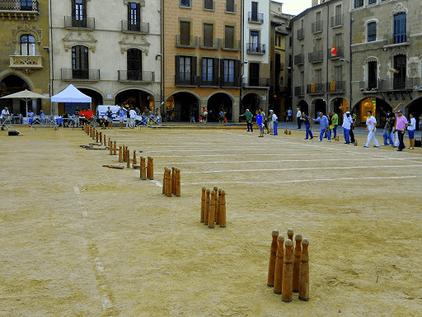 """""""Les Birles"""" juego tradicional autóctono valenciano."""