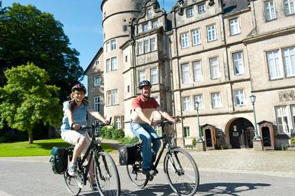 Radelspaß im historischen Stadtkern von Detmold © Tourist Information Lippe & Detmold
