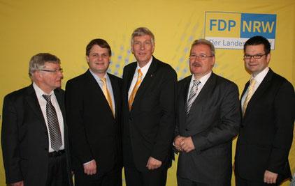 Klaus Budde, Ralf Witzel MdL, Dr. Ingo Wolf MdL, Hans-Peter Schöneweiß und Marco Buschmann MdB eröffnen den Neujahrsempfang 2012.