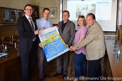 Thomas Goller und einige der Sponsoren der Osthofener Weinmeile 2017.