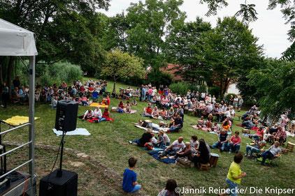 Der Park war mit über 200 Besuchern gut gefüllt.