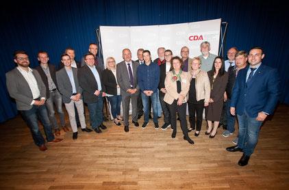 Adolf Kessel (8.v.li.) kann mit großem Rückhalt für zwei weitere Jahre die CDU-Sozialausschüsse auf Landesebene leiten. Foto: CDU