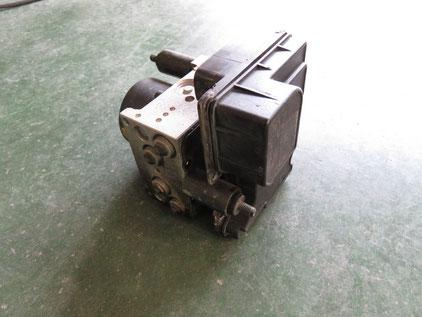 タイタン(エルフ・コンドル・アトラス)R81系 ABSユニット修理