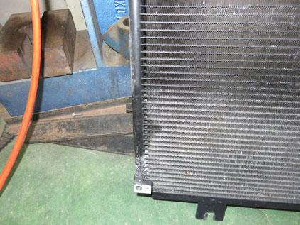 フィットハイブリッド GP7 エアコン修理 コンデンサガス漏れ
