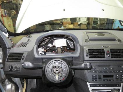 BMW X3 E83 エアコン効かない ガス漏れ エバポレーター交換