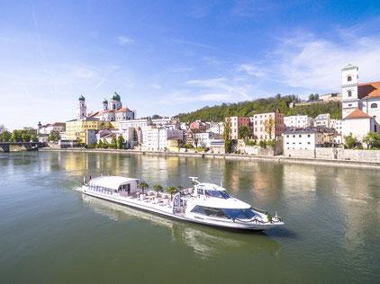 Passau vom Schiff aus sehen: Im Sommer ist das Pflichtprogramm.Foto: Studio Weichselbaumer
