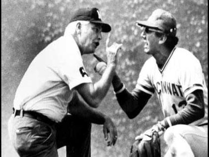 Nella foto l'umpire Hall of fame Doug Harvey