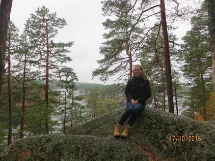 Anne Hemken in einem schwedischen Nationalpark