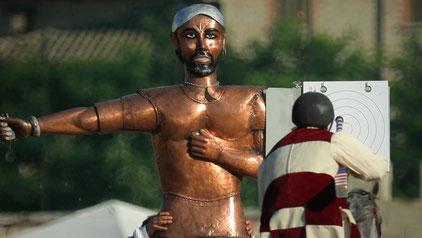 """Sabato 8 Luglio 2017, al Campo dei Giochi di Porta Maggiore, i cavalieri dei sei """"sestieri"""" in cui è divisa la città di Ascoli, si sfideranno in un'affascinante giostra cavalleresca, preceduta dall'imponente corteo per le vie del centro storico."""