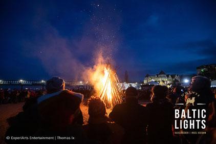 Die Biikefeuer blicken auf eine Jahrhundertealte Tradition zurück. Foto: ExperiArts Entertainment- Thomas Ix