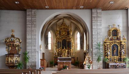 Innenansicht Pfarrkirche Brigels Mariä Himmelfahrt