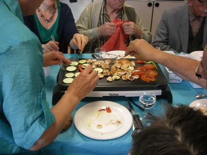 Pour les repas de printemps et d'été, nous proposons repas Plancha ........