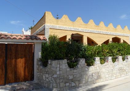 Über die Dächer von Granelli guckt man vom Ferienobjekt Casa Pietra