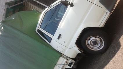 不用品回収や引っ越しで使うトラックの写真