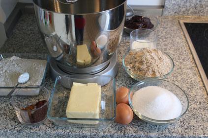 Zutaten Linzertorte Eier Mehl Pflaumenmuß Xucker Zuckerfreie Marmelade Kakao Küchenmaschine Nelken Zimt Backen Backpulver Dinkelprofi