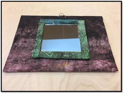 Deko-Spiegel aus Buntpapier und Pappe