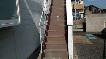 さいたま市北区の集合住宅、階段の長尺シート工事前の写真