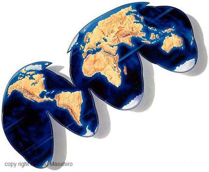 世界地図型のデスクイラスト