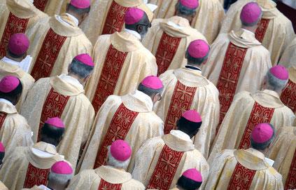Ignace d'Antioche a incité à la création d'un clergé élitiste avec un évêque au sommet de la hiérarchie pour chaque église. Un évêque qui doit être honoré, vénéré et qui tient la place de Dieu lui-même.